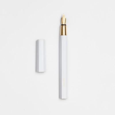 Ystudio Resin fehér töltőtoll, M és F méretekben