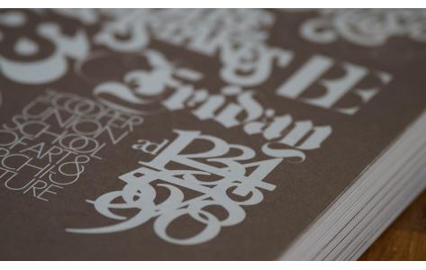 Könyvek és kalligráfia füzetek